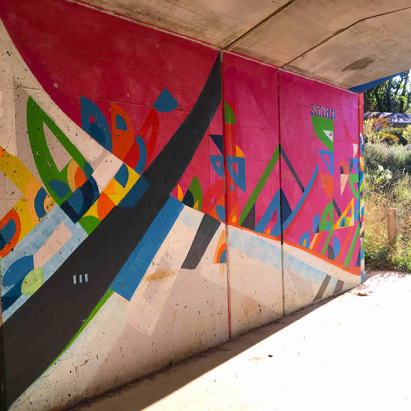East 7th Street Underpass, 'Jensai Crossing' (2017), East 7th Street & SR 45/46 Bypass, artist — Justus Roe